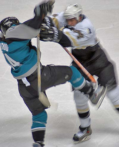 NHL players find it hard to knock Jonathan Cheechoo off the puck