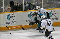 Cheechoo driving for the puck