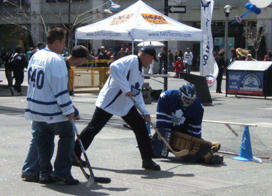 street hockey toronto maple leafs